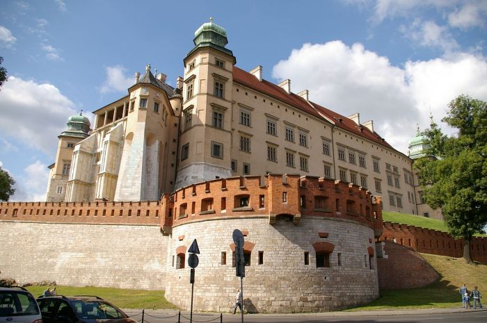 The high walls surrounding Wawel castle always sparked my imagination.