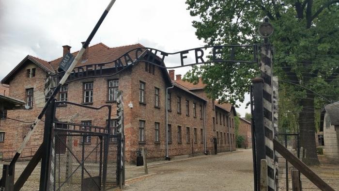 Auschwitz-lores